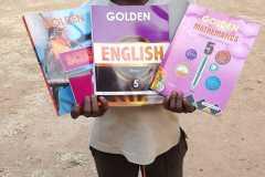 Djeca kada kupe knjige, bilježnice i ostali školski pribor, pokažu sve to don Ivanu